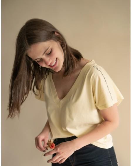 Camiseta Dama Salmo 23 Amarilla